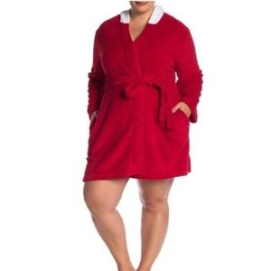 Hello Kitty Womens Hooded Robe Plus Size 1X Red